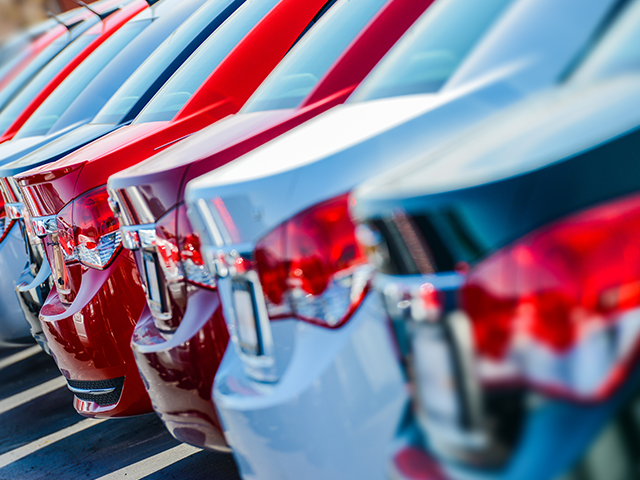 Global Trends in Digital Auto Finance: How Santander, BMW, and Others are Transforming Auto Loans